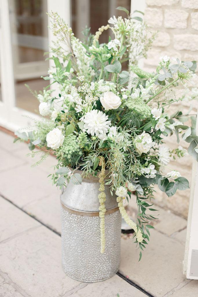 Wedding florist MK natural flowers
