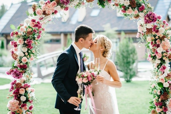 Wedding Flower Arches and Backdrops Field Gate Flowers 16